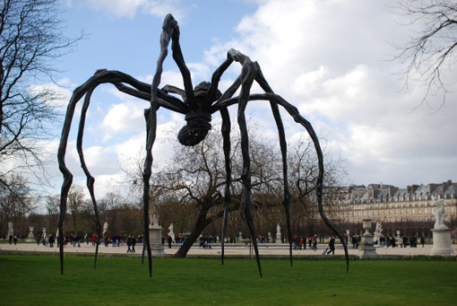 Louise Bourgeois, Maman, 1999, aux Tuileries